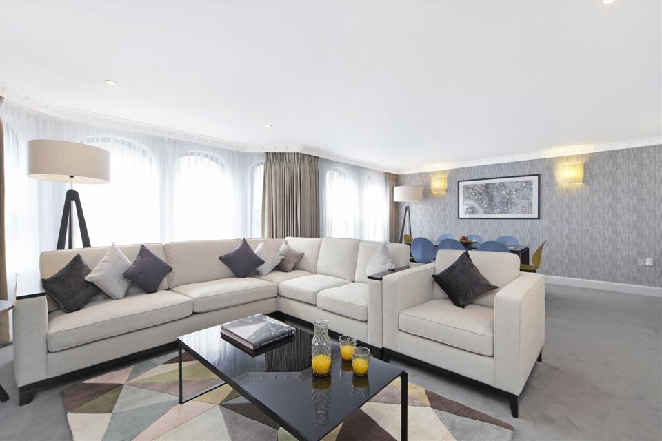 Mayfair House Three Bedroom Mayfair Suite - Living and Dining Room