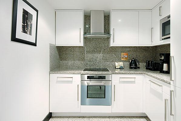 Mayfair House Three Bedroom Executive Apartment - Kitchen