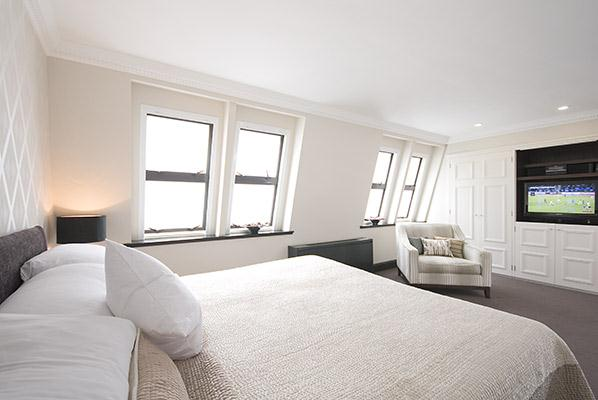 Mayfair House Four Bedroom Apartment - Bedroom