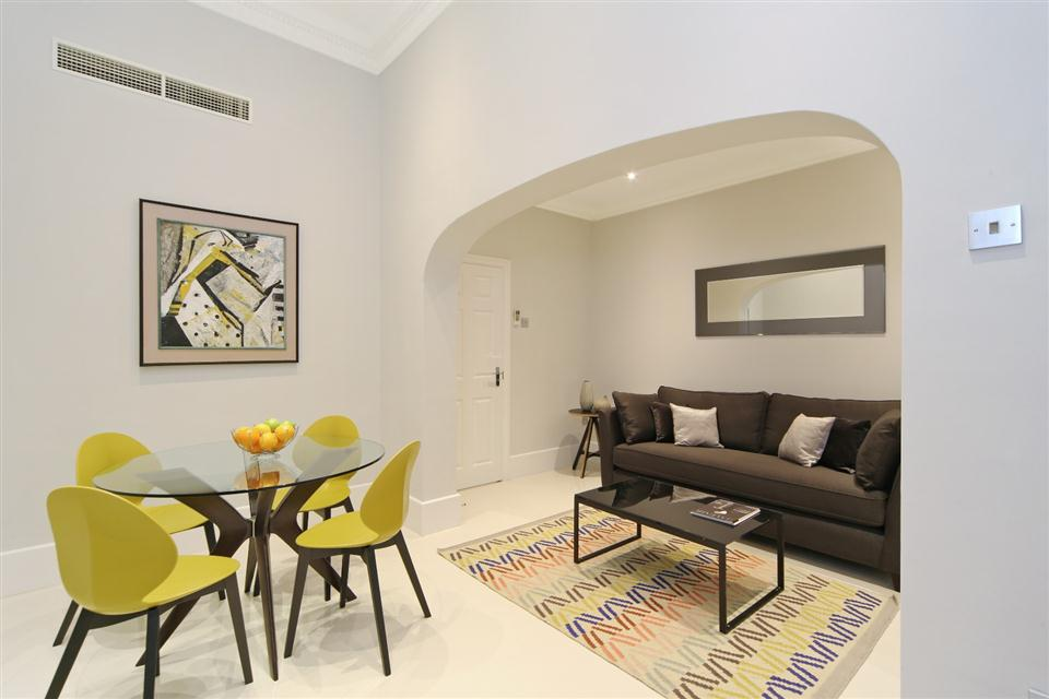 Queensgate Court One Bedroom Standard Apartment - Living and Dining Room