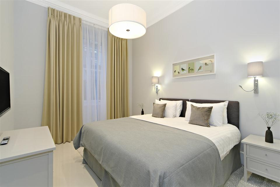Queensgate Court One Bedroom Standard Apartment - Bedroom