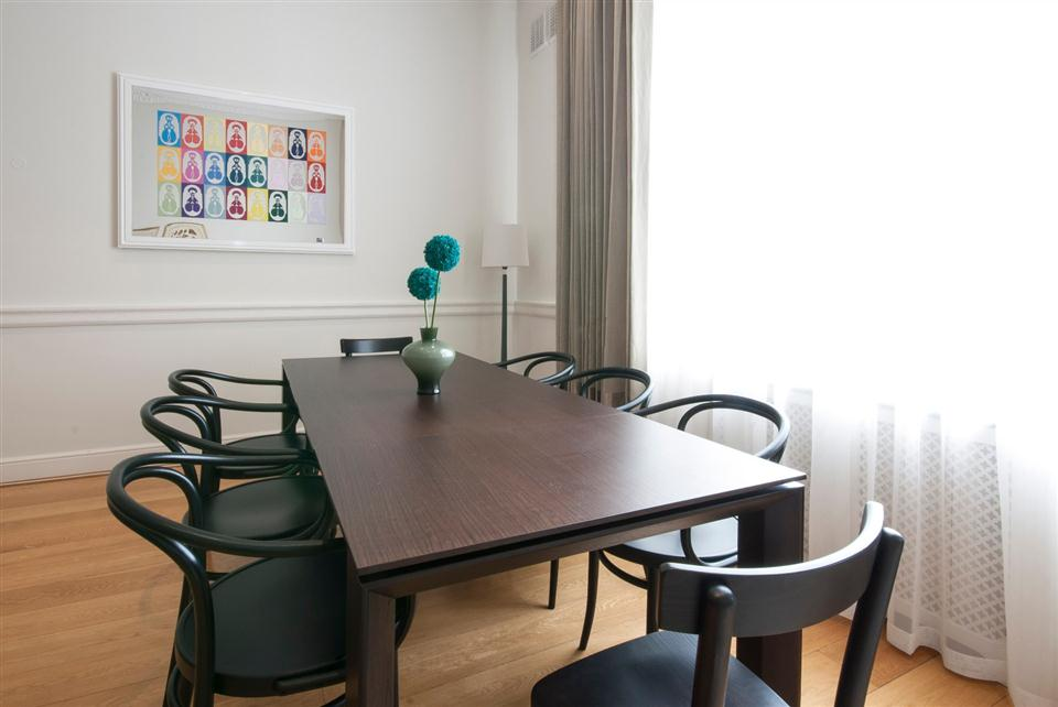 Queensgate Court Two Bedroom Deluxe Apartment - Dining Room