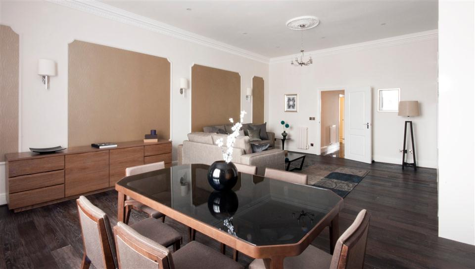Queensgate Court Two Bedroom Deluxe Apartment - Living Room
