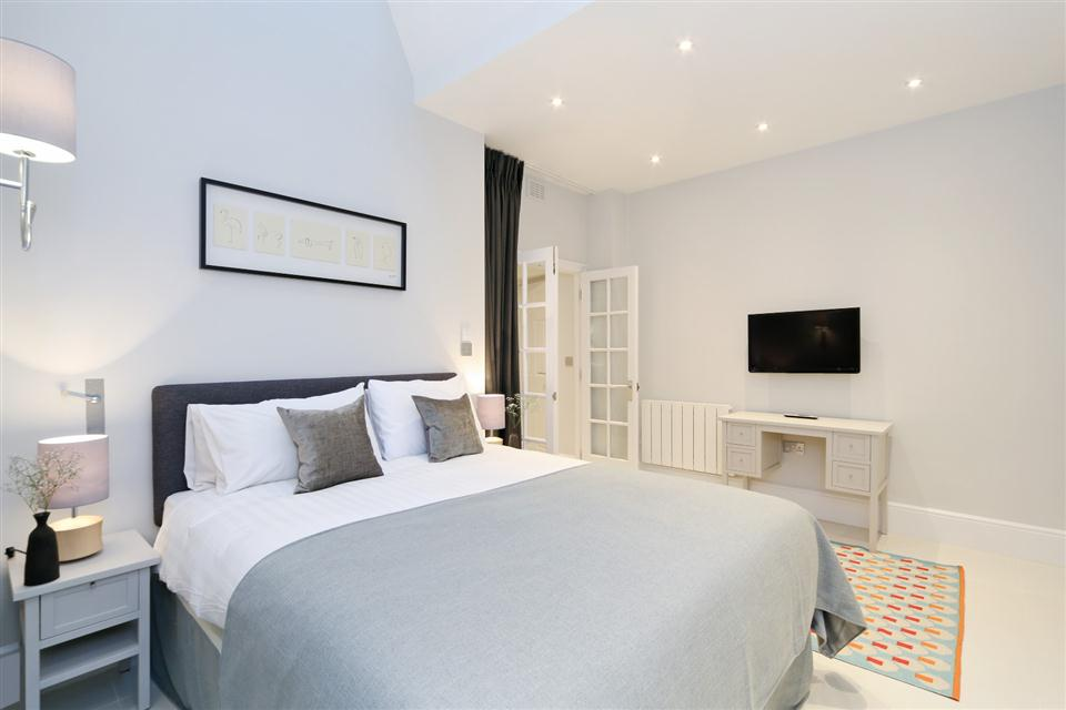 Queensgate Court Three Bedroom Standard Apartment - Bedroom