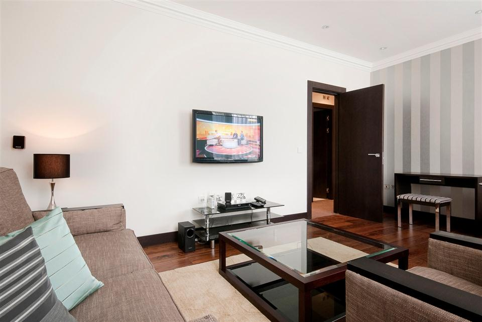 130 Queensgate Two Bedroom Deluxe Apartment - Living Room