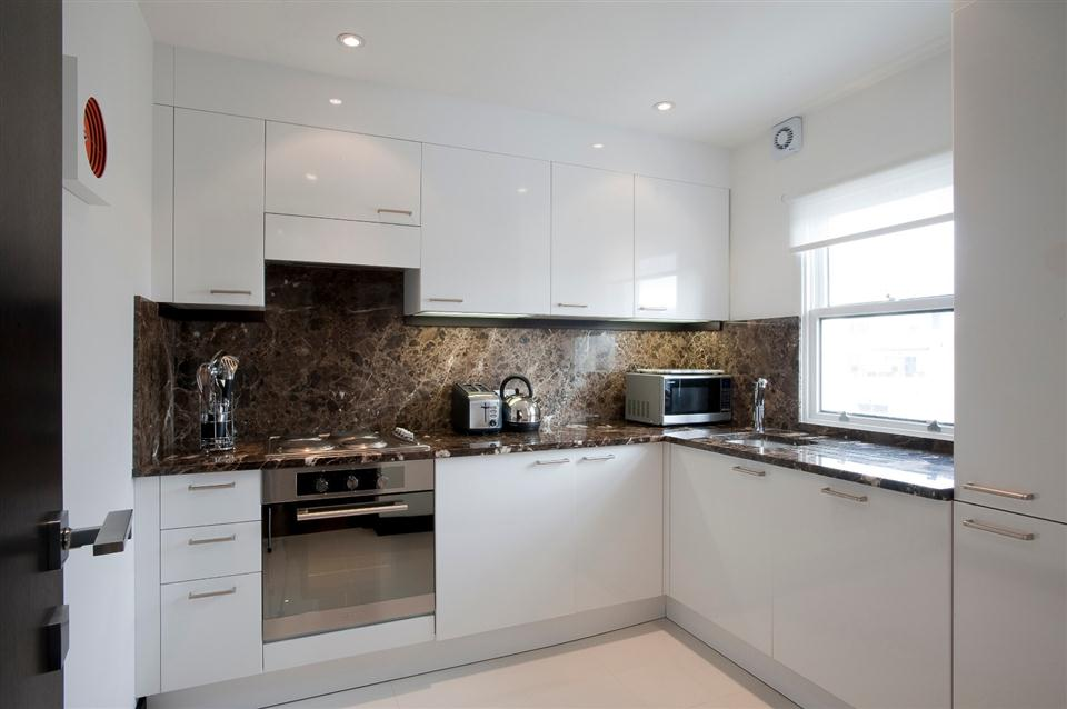 130 Queensgate Two Bedroom Deluxe Apartment - Kitchen