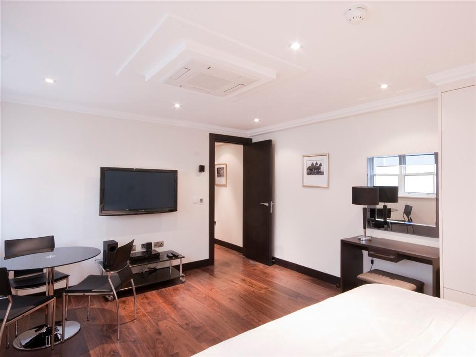 130 Queensgate Studio Apartment