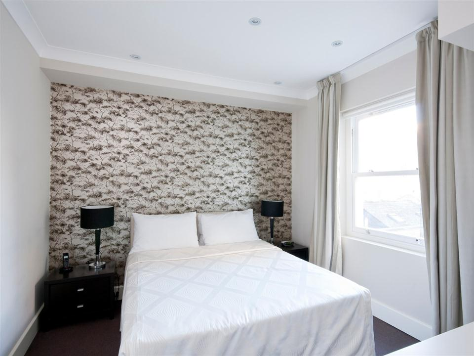 Chilworth Court One Bedroom Superior Apartment - Bedroom
