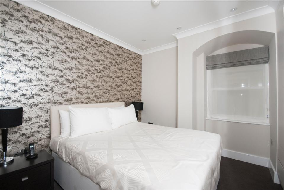 Chilworth Court Two Bedroom Standard Apartment - Bedroom