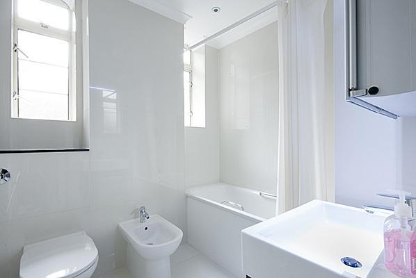 Fountain House One Bedroom Superior Apartment - Bathroom
