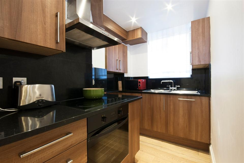 Fountain House One Bedroom Apartment - Kitchen