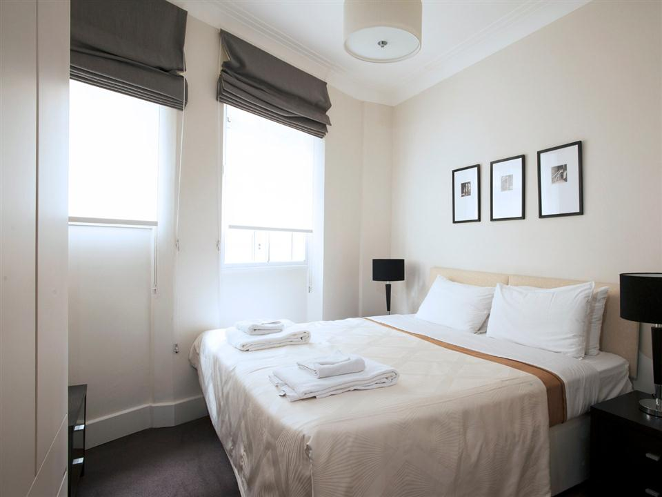 Fountain House Three Bedroom Apartment - Bedroom