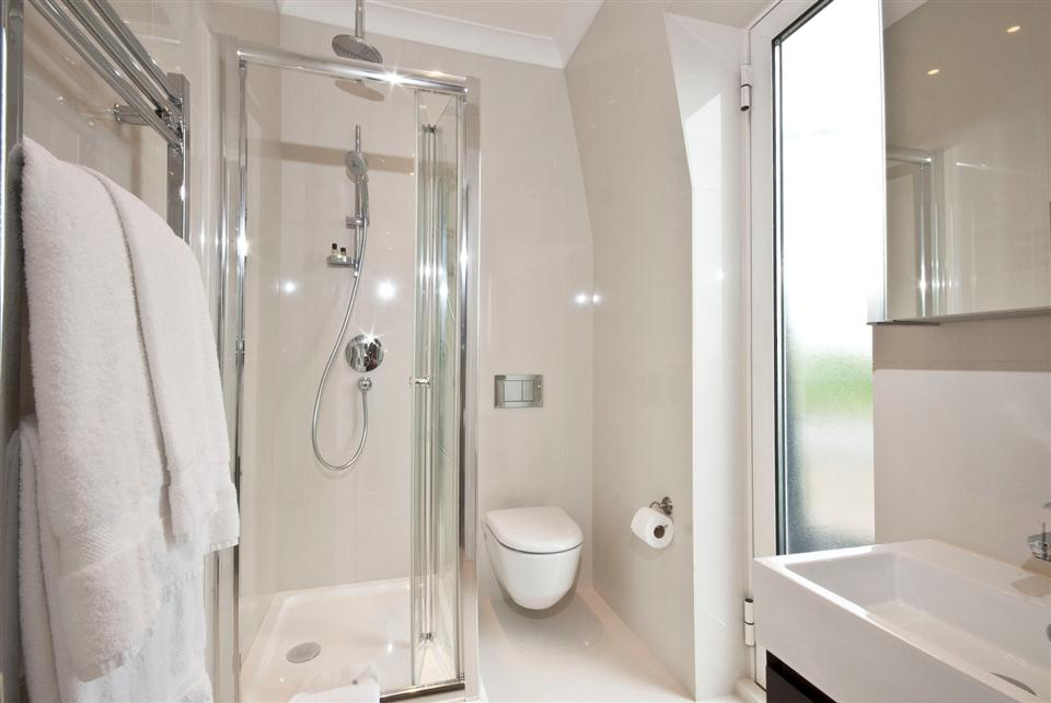 Fountain House Four Bedroom Apartment - En-Suite Bathroom