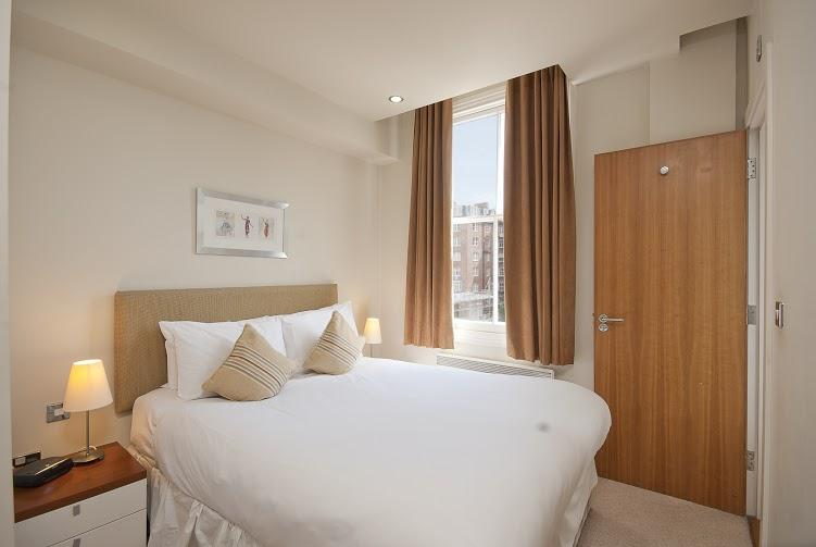 Prince's Square One Bedroom Apartment - Bedroom