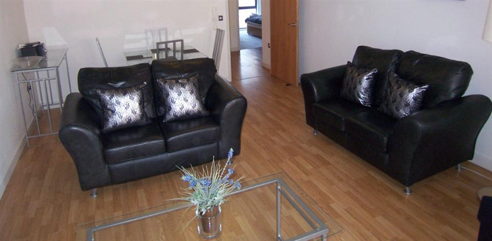 Baltic Quays Apartments - Living Room