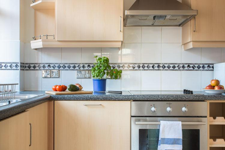 Astral House Serviced Apartments - Kitchen