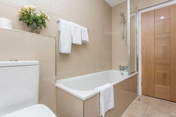 Artillery Lane Serviced Apartments - Bathroom