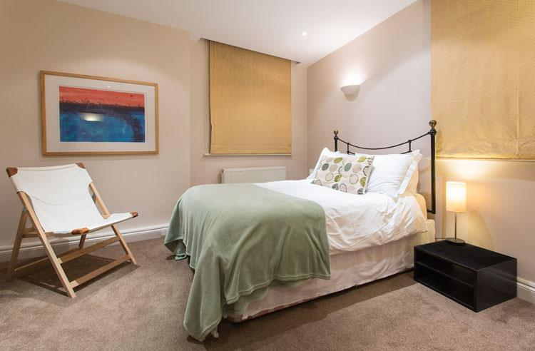 Abbotts Chambers Serviced Apartments - Bedroom
