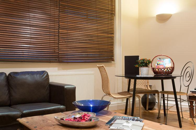 Abbotts Chambers Serviced Apartments - Living Room