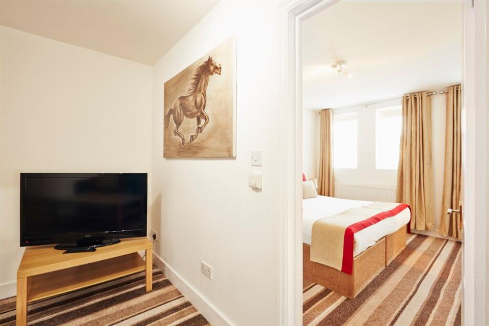 Apple Apartments East London Bedroom