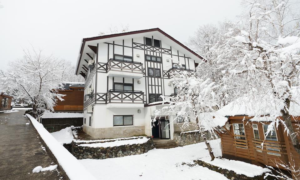 Hakuba Accommodation Canadian Lodge 6 Condo