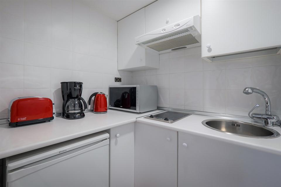 One Bedroom Apartment - Melia Whitehouse