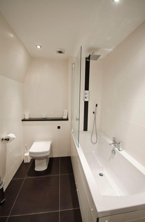 48 Bishopsgate Apartments Bathroom