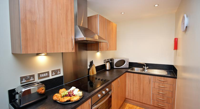 Staycity Birmingham Arcadian Apartments Kitchen