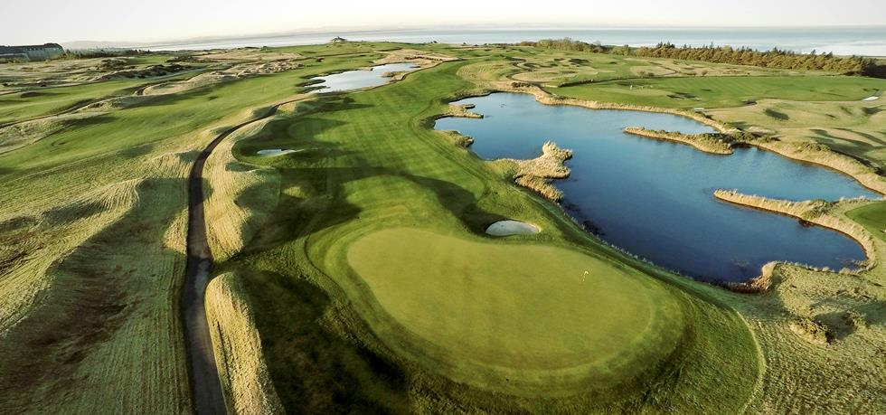 Fairmont St Andrews 5* - 1 Night Bed & Breakfast, 2 Rounds