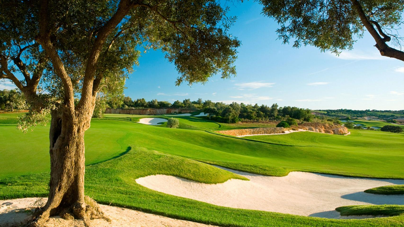 Amendoeira Golf Resort 4* - 3 Nights Bed & Breakfast, Unlimited Golf
