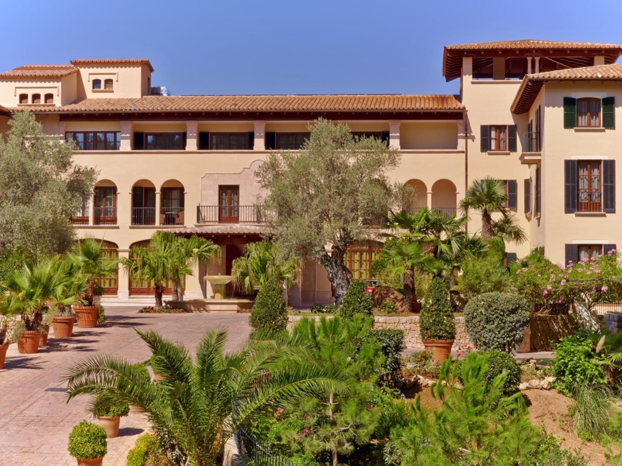 Arabella Golf (5* Sheraton Arabella Golf Hotel) - 3 Nights & Unlimited Golf