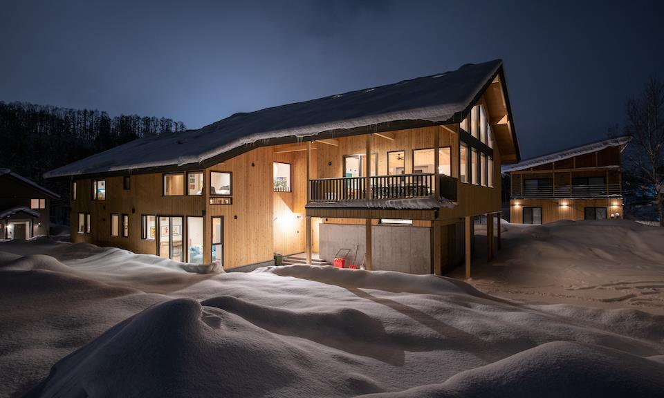 Niseko Accommodation Chalets at Country Resort 2 : 6bedroom Sahama