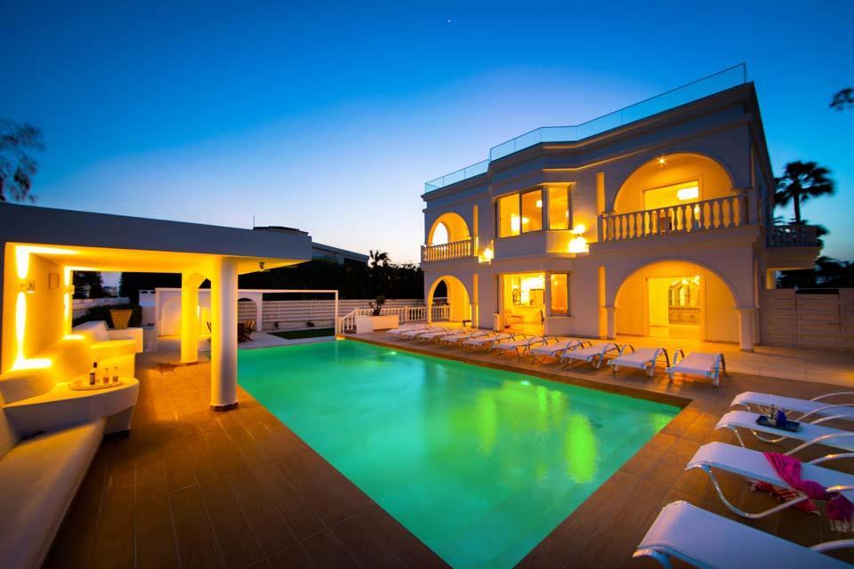 Villa Plutus