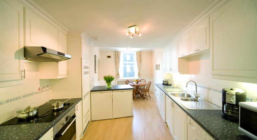 44 Curzon Street 3 Bedroom Apartment