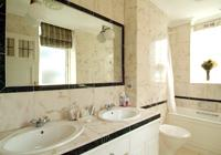 44 Curzon Street Bathroom