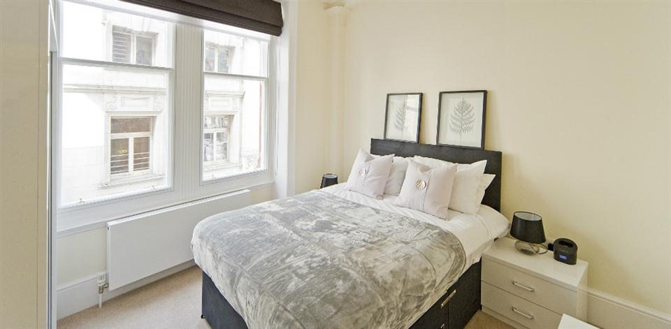 Leicester Square Apartments - Bedroom