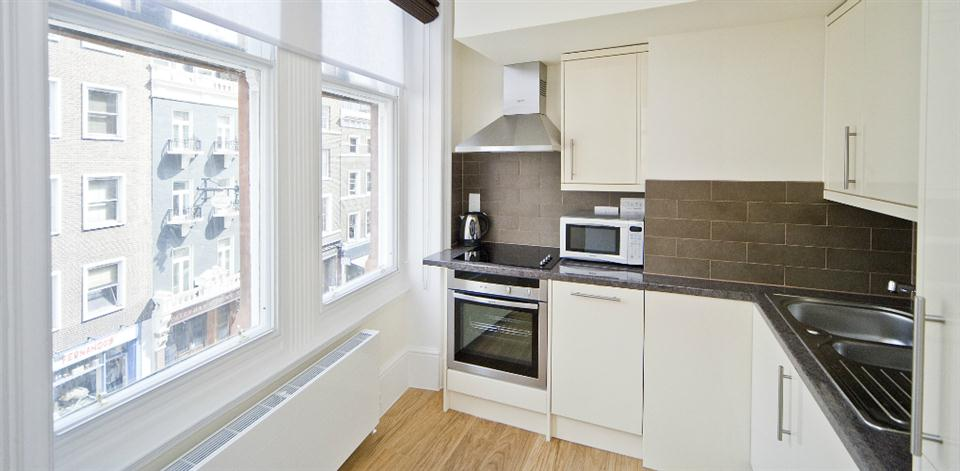 Leicester Square Apartments - Studio Kitchen