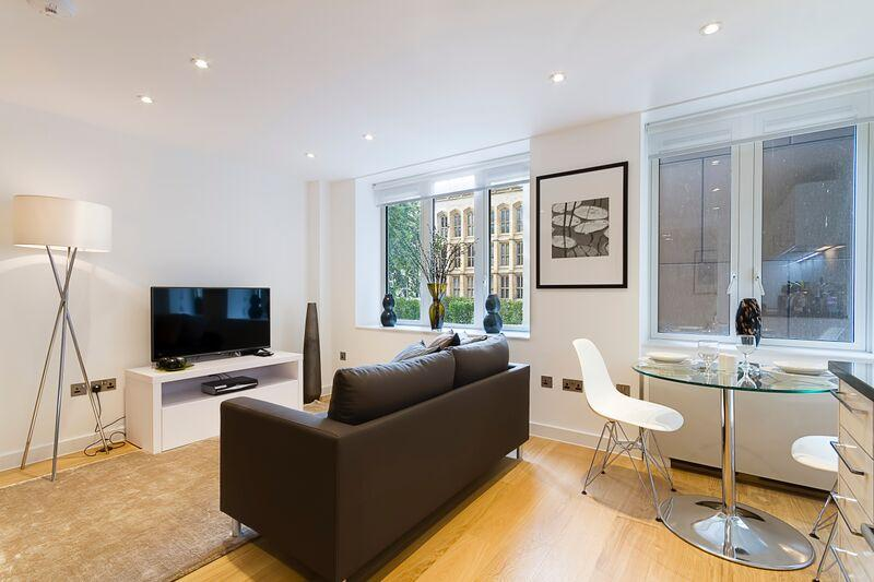 Fetter Lane - Living and Dining Area