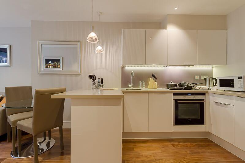 Lovat Lane - Kitchen and Dining Area