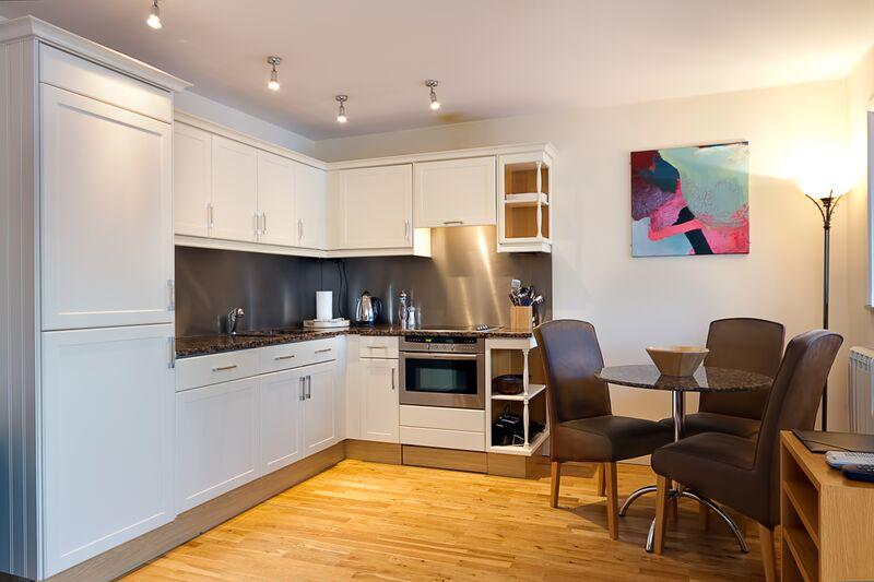 Pepper Street - Kitchen and Dining Area