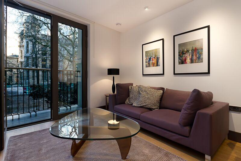 St Dunstan's Court -  Living Area