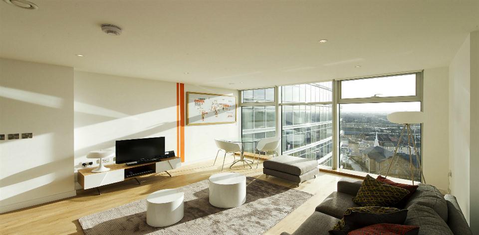 Pioneer Point - Living Room