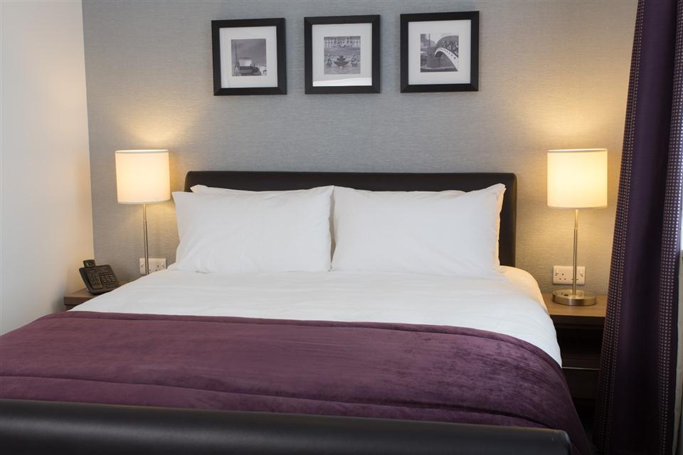 Staybridge Suites Birmingham - Bedroom