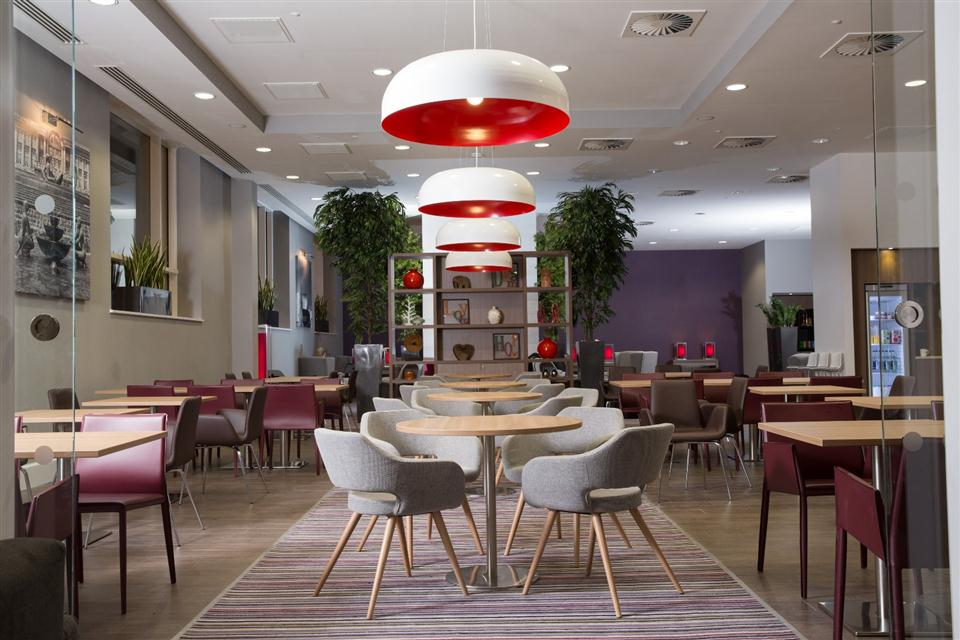 Staybridge Suites Birmingham - Residents Lounge