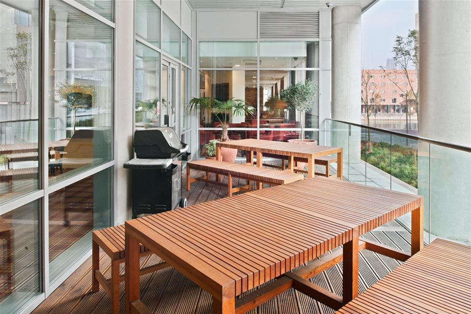 Staybridge Suites Liverpool - Outdoor Terrace