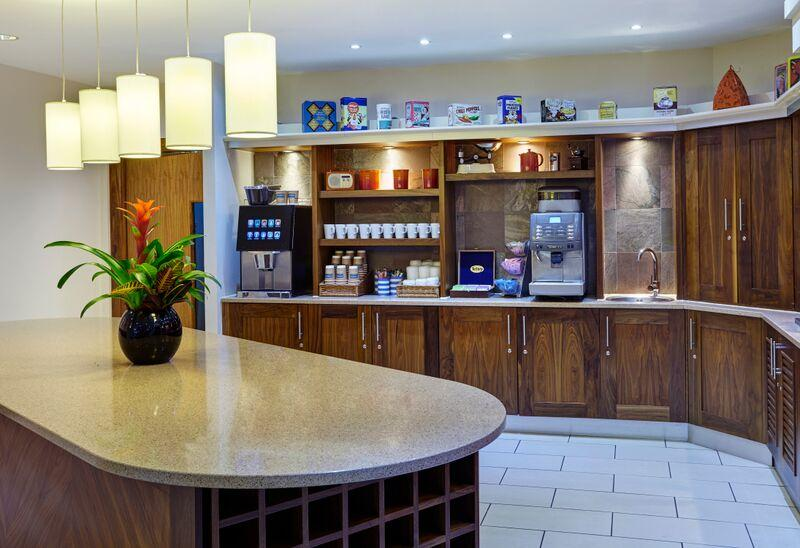 Staybridge Suites Newcastle - Breakfast
