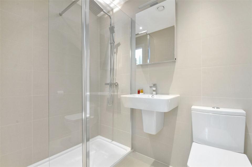 West Kensington - Bathroom
