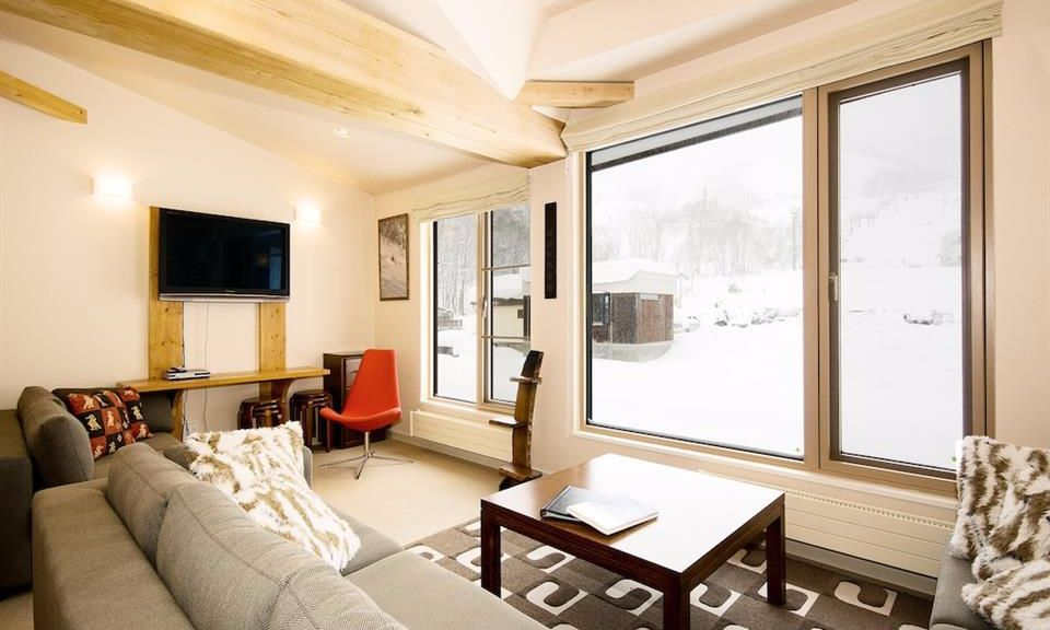 Niseko Accommodation Gondola Chalet 3