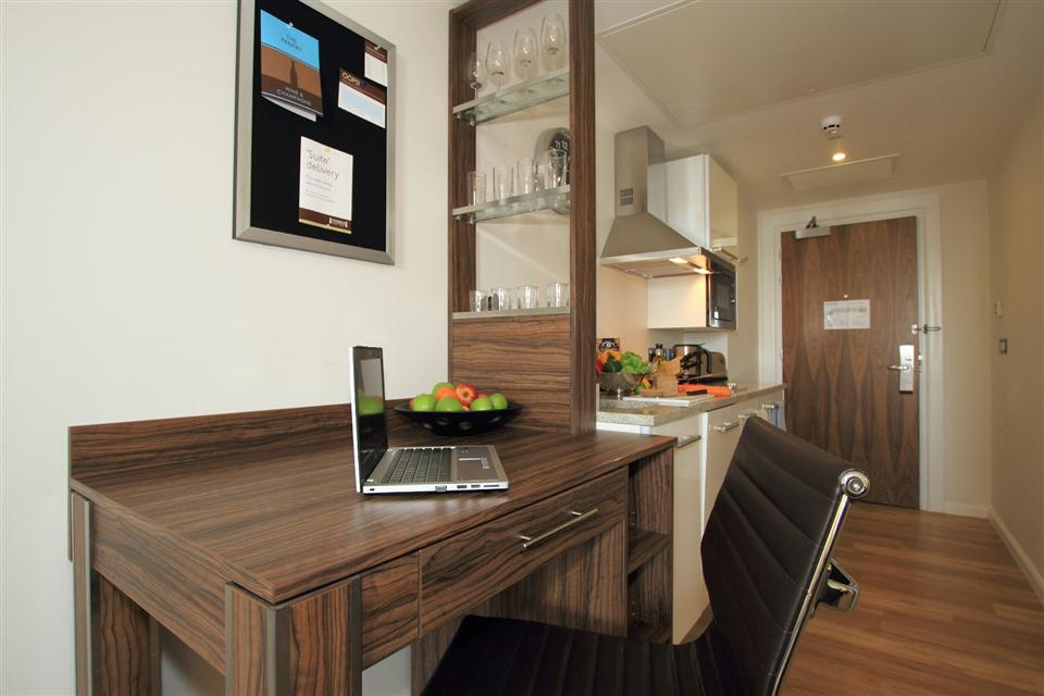 Staybridge Suites London Stratford - Studio Kitchen