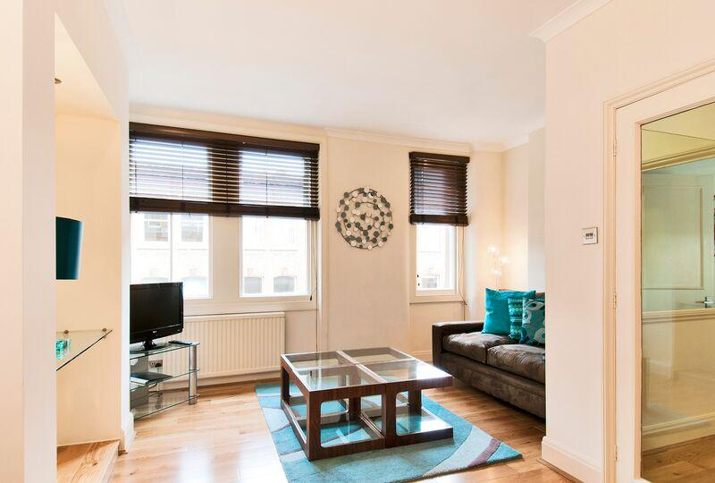 Chiltern Street Executive One Bedroom Apartment - Living Area
